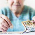 Что выбрать пенсионеру: вклады или облигации